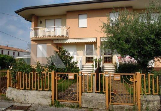 bifamiliare-in-vendita-a-montebelluna-agenzia-immobiliare-la-mappa
